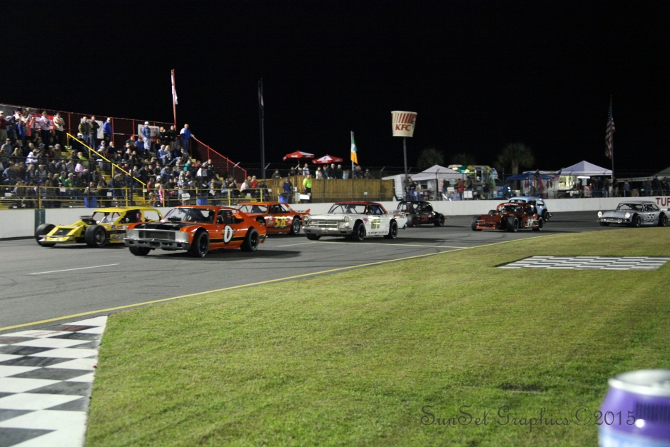 Racing Vintage Modified and Vintage Sportsman cars from the 1950's to the  1980's